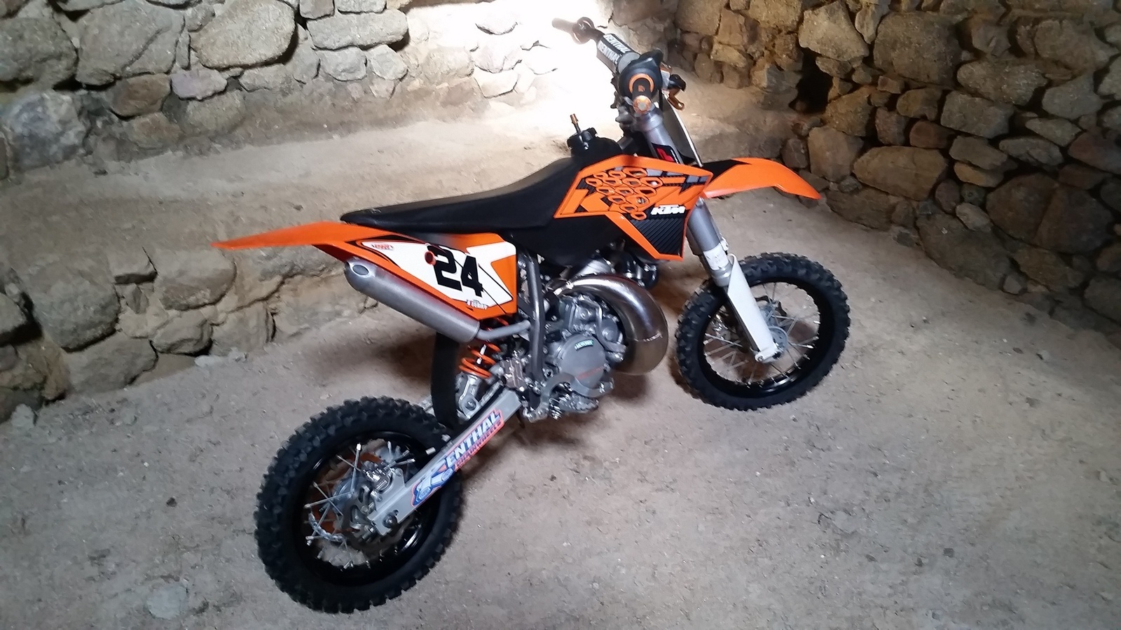 moto cross ktm 50cc a vendre rc modelisme. Black Bedroom Furniture Sets. Home Design Ideas